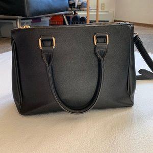 F21 Black Faux Leather Saffiano Crossbody Bag
